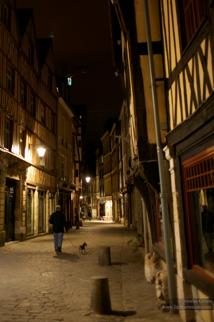Rouen by night 12